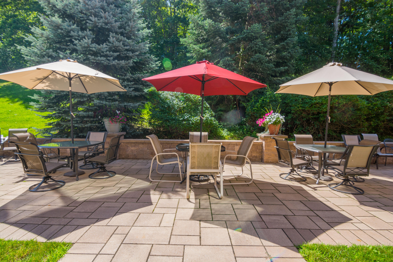 Hampton Suites Patio & Gardens