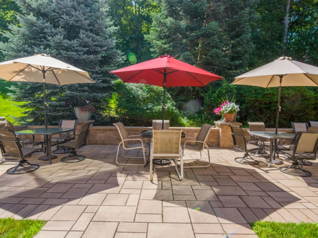 Hampton Suites Patio & Gardens